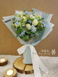 [서초동 꽃집/졸업식 꽃다발] 옥시 하늘색 꽃다발 by 내일도,봄 (예술의전당 꽃집) : 네이버 블로그