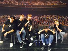 초콜릿 홍스타 (@choco_hongstar) | Twitter Fnc Entertainment, Korean Bands, Pop Group, Asia, Idol, Universe, Stars, Concert, Twitter