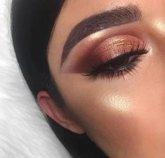 Gorgeous Makeup: Tips and Tricks With Eye Makeup and Eyeshadow – Makeup Design Ideas Prom Eye Makeup, Eye Makeup Tips, Makeup Goals, Skin Makeup, Makeup Inspo, Wedding Makeup, Makeup Brushes, Makeup Remover, Bronzy Eye Makeup