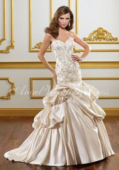 Sweetheart Fit-N-Flare Satin Wedding Dress