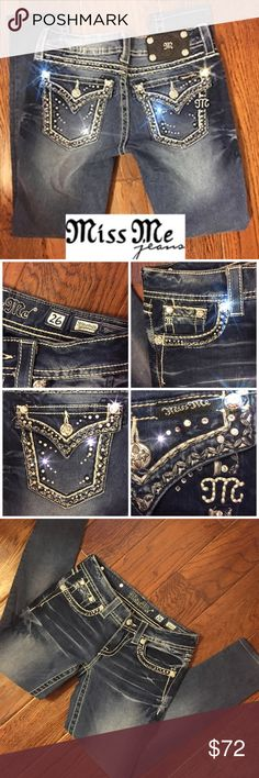 """Miss Me BLING Jegging skinny leg jeans. WOW❣ Miss Me Women's Jegging skinny leg jeans. GREAT condition. Size: 26     Inseam: 27"""".  Stretchy jean material. These are adorned with Blingy Crystal rhinestones. None of the Crystals are missing. Super super cute. Dark wash with cute washed out areas. Big stitching around the pockets. Miss Me Jeans Skinny"""