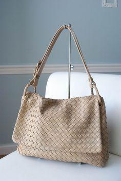Bottega Veneta Beige / Cream  Intrecciato Woven Leather Handbag  #BottegaVeneta #ShoulderBag
