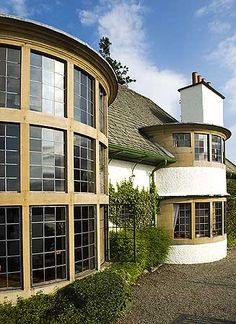 Arts and Crafts gable chimneys - Broad Leys by Voysey