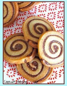Recetas de cupcakes, frostings, bizcochos, tartas y más postres!! Nutella Recipes, Cookie Recipes, Dessert Recipes, Cookie Ideas, Nutella Rolls, Biscotti Cookies, Kinds Of Cookies, Just Desserts, Chocolate Chip Cookies