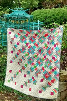 Rain Down quilt by Sharon. Scrappy Quilts, Baby Quilts, Star Quilts, Quilting Projects, Quilting Designs, Quilting Ideas, Down Quilt, Quilt Modernen, Log Cabin Quilts