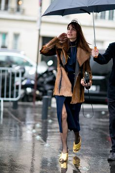 Paris Fashion Week, Autumn-Winter 2016: street style.  Part 1 (8 photos)