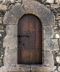 Door to the fortress in Arrecife, Lazarote, Canary Islands, Spain. by Robin Lockwood ik Medieval Door, Medieval Houses, Cool Doors, Unique Doors, Entrance Doors, Doorway, Castle Doors, Vintage Doors, Fairy Doors