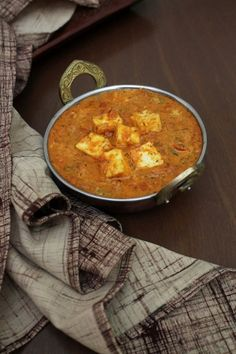 """THE BEST Kadai Paneer recipe with step by step photos."" It is restaurant style kadai paneer gravy recipe. It is spicy, delicious and easy to make. Paneer Gravy Recipe, Paneer Recipes, Curry Recipes, Indian Food Recipes, Gourmet Recipes, Vegetarian Recipes, Cooking Recipes, What's Cooking, Traditional Indian Food"