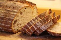 Oggi come allora il pane di Canale Monterano è preparato con farina di grano tenero tipo 0 e 00, acqua leggermente alcalina proveniente dall'acquedotto comunale, lievito madre.  Il tipico Pane di Canale Monterano ha la forma di pagnotta con varie pezzature, lo  spessore della crosta di 3 mm minimo, colore chiaro e intenso profumo di cereale.  Il processo di lavorazione è molto lungo, la produzione limitata, la qualità ottima…