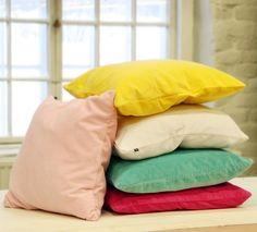 Samettinen tyynynpäällinen   #puttipaja #sisustusverkkokauppa #tunnelmaa #tyynynpäällinen #tyyny #sisustustyyny