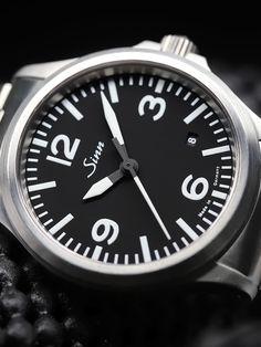 Sinn 556 A - A sporty, elegant watch with a sapphire crystal glass. Sinn Watch, Elegant Watches, Omega Watch, Rolex Watches, Sapphire, Crystals, Glass, Sporty, Accessories