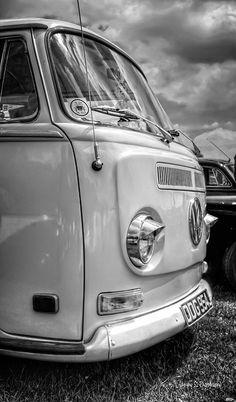 VW Camper B&W | Mark Swindells | Flickr