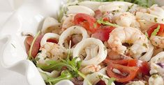 Un' insalata di pesce, veloce, facile e leggera. Caprese Salad, Pasta Salad, Calamari, Pasta Recipies, Shrimp, Meat, Chicken, Carne, Ethnic Recipes