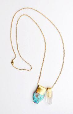 BIJOUX TENDANCE AUTOMNE HIVER 2016-2017. Toutes les tendances bijoux automne hiver 2016-2017. Trouvez des idées cadeaux pour femme sur la boutique bijoux fantaisies de créateurs.