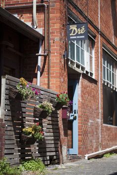 baskets of flowers on a fabulous wall Melbourne Laneways, Australia Travel, Melbourne Australia, Cafe Me, Hanging Flowers, Open Concept Kitchen, Conceptual Design, New Leaf, Visual Communication
