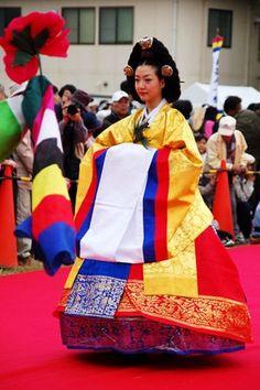 Hanbok in traditional korean wedding