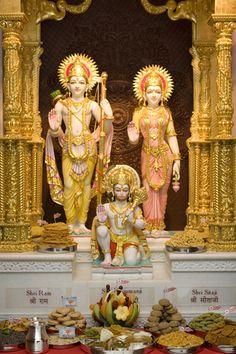 Shri Sita-Ram Dev and Shri Hanumanji Ram Hanuman, Hanuman Photos, Hanuman Images, Durga Images, Radha Krishna Pictures, Shree Ram Images, Krishna Radha, Hanuman Ji Wallpapers, Shiva Lord Wallpapers