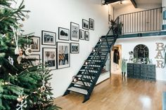 Loft Apartment With Industrial Stairs - Gemma's Modern Industrial And Rustic Christmas Apartment Tour Industrial Farmhouse Decor, Rustic Loft, Industrial Stairs, Industrial Apartment, Rustic Apartment, Industrial House, Modern Industrial, Apartment Ideas, Apartment Walls