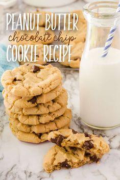 Peanut Butter Chocolate Chip Cookies Peanut Butter Chocolate Chip Recipe, Butter Chocolate Chip Cookies, Peanut Butter Recipes, Peanut Butter Cookies, Yummy Cookies, Chocolate Chips, Favorite Cookie Recipe, Best Cookie Recipes, Easy Recipes