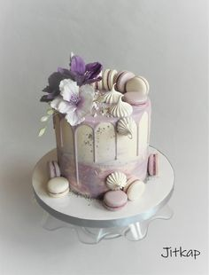 Birthday drip cake - cake by Jitkap - cakes - 35th Birthday Cakes, Birthday Drip Cake, Buttercream Birthday Cake, Elegant Birthday Cakes, Bithday Cake, Beautiful Birthday Cakes, Birthday Cake Decorating, Purple Birthday Cakes, Birthday Cake Ideas For Adults Women