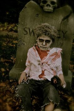 These Terrifying Tiny Tot Cosplayers Are Both Haunting and Totally Adorable! | moviepilot.com