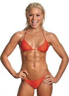 Female Form #StrongIsBeautiful #Motivation #WomenLift2 IFBB Bikini Pro Dianna Dahlgren