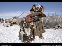 Nenets Family in Sibiria, Russia on their migration. ©Maria Stenzel