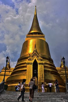 Grand Palace Bangkok Thailand #bangkoktravel #guiddoo #wanderlust #southeastasia