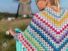 Twinning is winning! Only love omslagdoek. Crochet For Kids, Free Crochet, Crochet Children, Knitting Patterns, Crochet Patterns, Knitting Ideas, Crochet World, Crochet Shawl, Free Pattern