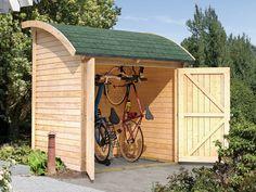 Deze fraaie houten fietsberging van het Duitse A-merk Karibu (185 x 155 x 225 cm) is door zijn half gebogen dak bijzonder ruimtebesparend en ideaal voor het bergen van fietsen.