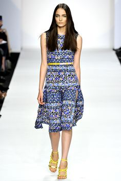 Aquilano.Rimondi - Spring 2011 Ready-to-Wear - Look 4 of 32