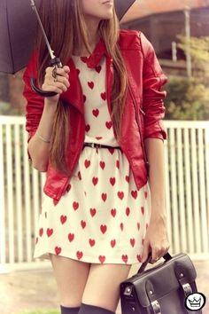 #SanValentín, otra oportunidad para crear un outfit temático. Divertite! - Y el paraguas? - Por la lluvia de corazones.  - Awwww <3