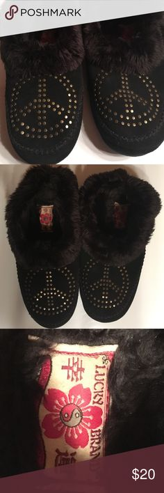 Lucky Brand Peace sign cozy slippers 10 Lucky Brand cozy fuzzy slippers with peace sign LOVE these! Size 10 New Make offer. Lucky Brand Shoes Slippers