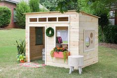 Easy Kids Indoor Playhouse - Learn how to build a fun and magical indoor playhouse for your kids! Free plans and tutorial by Jen Woodhouse. Maybe for the kids tree house treehouse Kids Playhouse Plans, Modern Playhouse, Kids Indoor Playhouse, Outside Playhouse, Backyard Playhouse, Build A Playhouse, Backyard Patio, Backyard Ideas, Backyard Playset