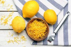 Don't throw away those lemon peels. It's easy to dry lemon peels for use in cooking, cleaning and body care (yes, really! Lemon Bowl, Lemon Uses, Dried Lemon, Baking Soda Uses, Dehydrated Food, Dehydrator Recipes, Fruit Recipes, Easy Recipes, Keto Recipes