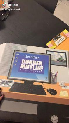 Funny Vid, Stupid Funny Memes, Haha Funny, Best Of The Office, The Office Show, Office Gifs, Office Jokes, Parks And Rec Memes, Parks N Rec