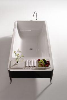 Jaime Hayon design for Bisazza Bagno. Black and white bath tub. Can´t be better. Art Deco Furniture, Bathroom Furniture, Furniture Design, Design Hotel, Jamie Hayon, Art Deco Bathroom, Bathroom Ideas, Reece Bathroom, Bathroom Vanities