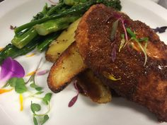 Rosemary & Parmesan Crusted Chicken with Herb Roasted Potatoes & Lemon Braised Broccolini  #icehouse #crushediceevents