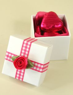 gingham favour box