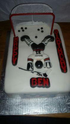 Goalie cake Hockey Cakes, Birthday Cakes, Birthday Parties, Goalie Mask, Hockey Goalie, Mini Cakes, Cookie Decorating, Cake Ideas, Holiday Recipes