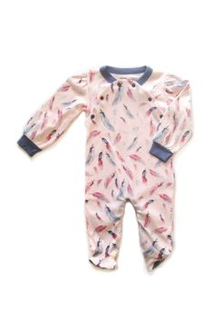 Feather Footie via Hatched Baby #hatchedbaby #pink #cute #feathers #organiccotton #footie #finnandemma #bodysuit #longsleeve