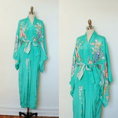 This is just SO dreamy!!! I neeeeeed something like this in my life. Vintage 1930s Kimono / 30s Antique Teal by lapoubellevintage, $248.00