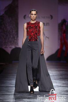 Pankaj-and-Nidhi-Top-moments-from-the-ramp-at-Amazon-India-Fashion-Week
