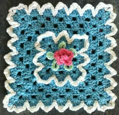 Free Heart Granny Square Patterns | Rose Granny Square: free pattern | Crochet Squares
