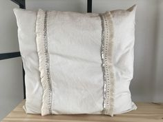 Bed Pillows, Home Decor, Tela, Couches, Dining Room, Rustic Pillows, Leaves, Rugs, Pillows