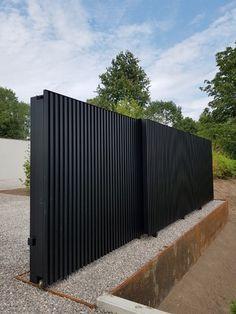Iron Main Gate Design, Gate Wall Design, Grill Gate Design, Steel Gate Design, Front Gate Design, House Gate Design, Fence Design, House Front Gate, Modern Brick House