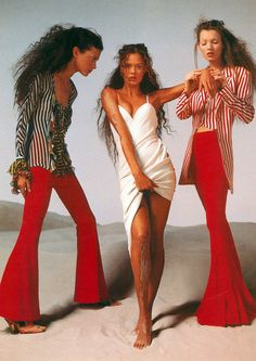 Kate Moss, Shalom Harlow & Aya ThorGren for Versace´s spring/summer 1993 by Avedon.