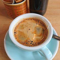 Amazing decaf at @pharmacie_coffee_roasters on a kid free Saturday! #Hove #coffee