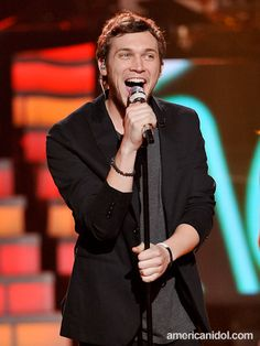 """Phillip Phillips performs """"In The Midnight Hour"""" by Wilson Pickett at the Top 7 redux performance show."""