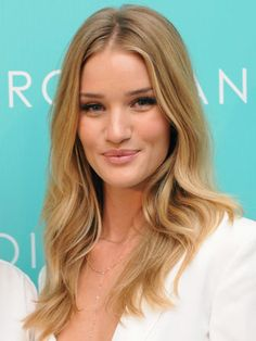 Rosie Huntington-Whiteley's must-have app for taking the perfect selfie